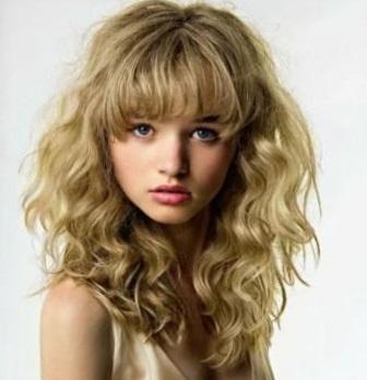 Химическая завивка на длинные волосы крупными локонами - фото до и после