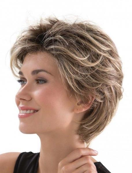 Стрижка Каприз на короткие волосы с челкой и без - фото причесок
