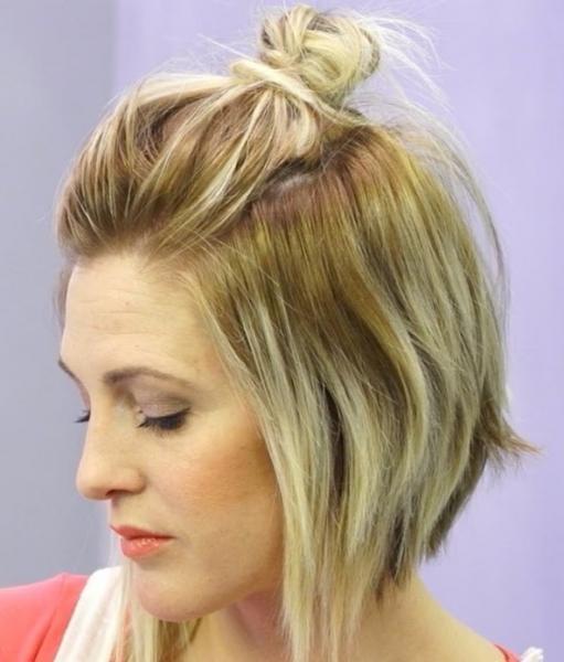 Простые прически на короткие волосы для женщин и девушек - фото