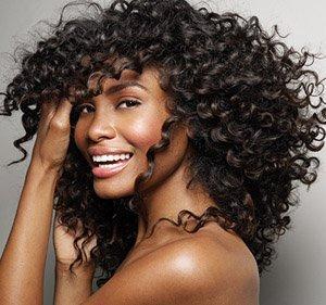 Правила укладки вьющихся волос