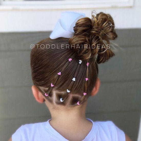 10 простых причесок для девочек с резиночками