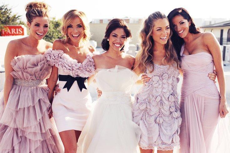 Красивые прически на свадьбу для гостей и подружек невесты - фото
