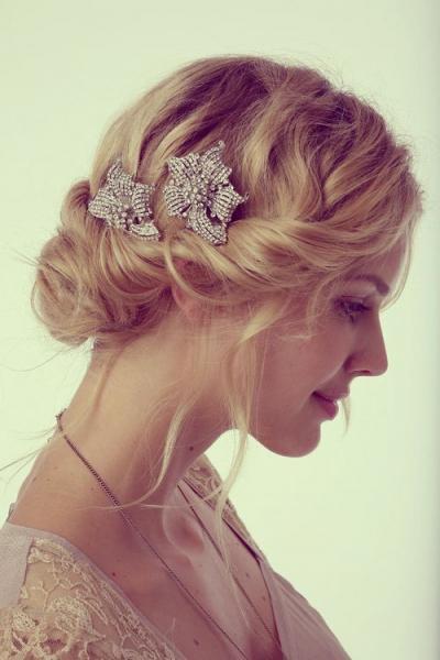 Свадебные прически с диадемой на длинные, средние, короткие волосы