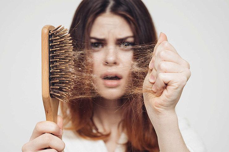 Волосы, вернитесь: почему они выпадают и как вернуть прическе объем?