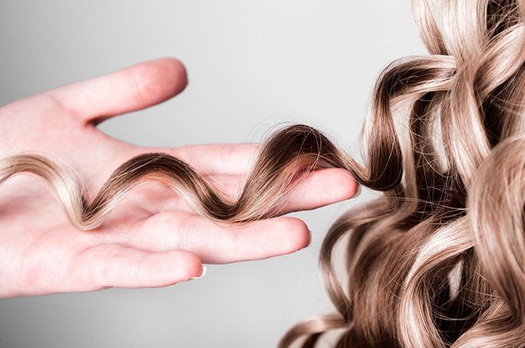 Чудо-локоны: как накрутить волосы без бигуди и плойки