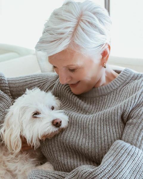 15 очаровательных стрижек пикси для женщин после 50 лет