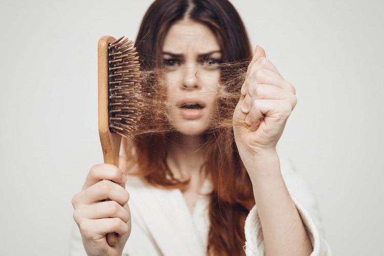 Что делать с сухими волосами: 5 лучших правил