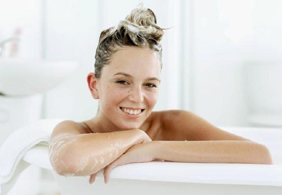 Как правильно мыть волосы? Учимся выбирать шампунь
