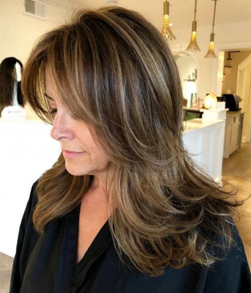 Каскад: универсальная стрижка для тонких и редких волос