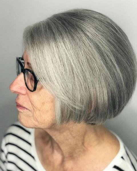 Короткие стрижки для дам после 50 лет