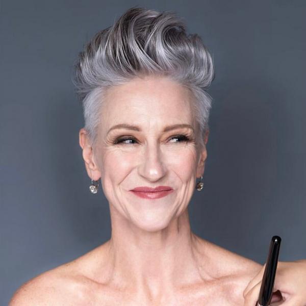15 крутых стрижек для женщин после 50 лет