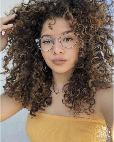 Завитые волосы фото и видео