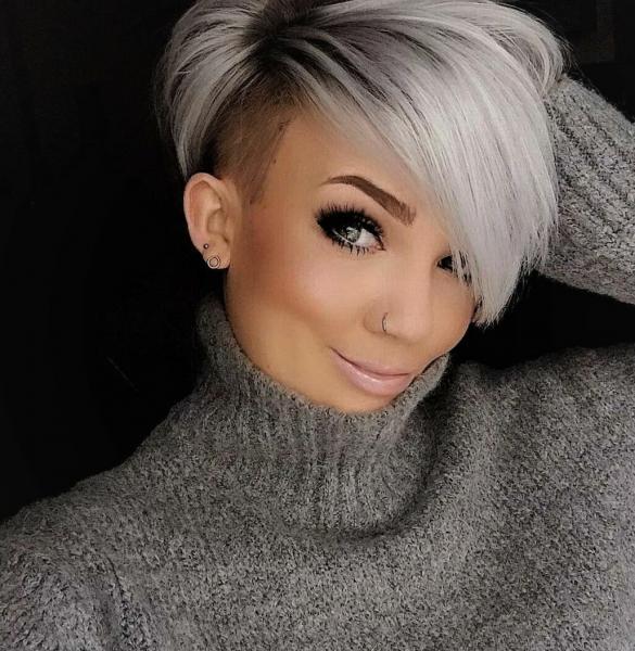 Ультрамодные стрижки на среднюю длину для прямых волос