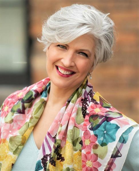 Какие варианты стрижек помогут выглядеть моложе дамам за 50?