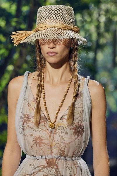 Косы – самая модная прическа лета 2020