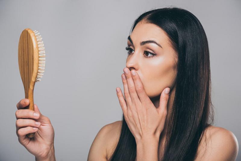 Какие причины для выпадения волос?