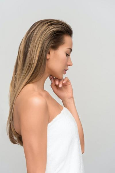Постоянный уход с маслами делает волосы жирными?