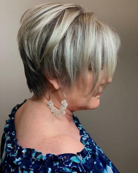 25 модных и стильных коротких стрижек для дам старше 60 лет