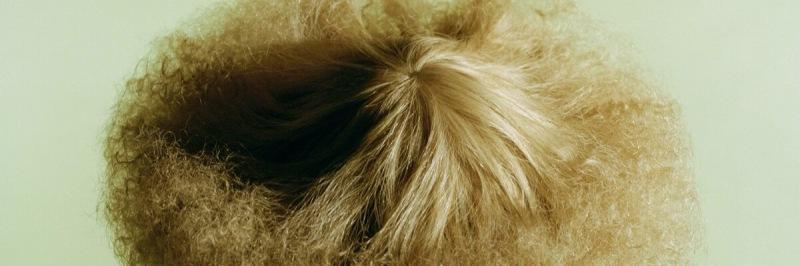 Как пух: что делать, если пушатся волосы?