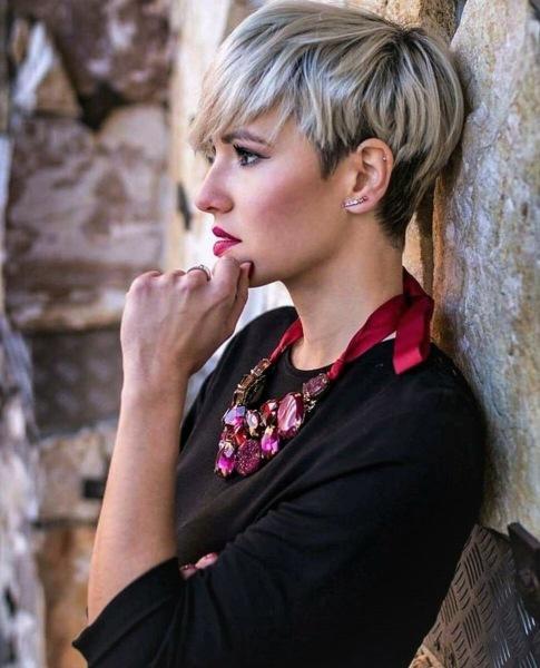 Короткая «Пикси» 2021 - идеальная стрижка для женщин всех возрастов