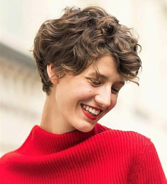 Короткие стрижки на осень для женщин за 40+