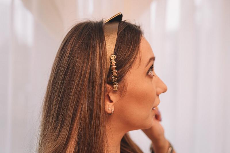 Модные повязки на голову, которые сделают прическу стильной
