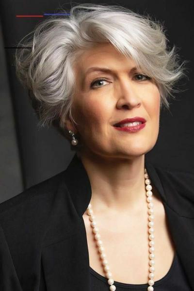 Самые популярные многослойные стрижки для женщин старше 50 лет