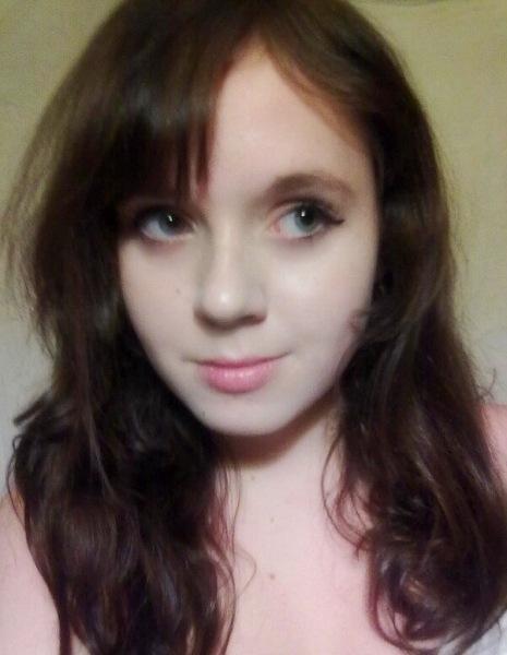 Сделала в 14 лет чёлку и почувствовала себя некрасивой. Покажу, как неудачная причёска меняет лицо