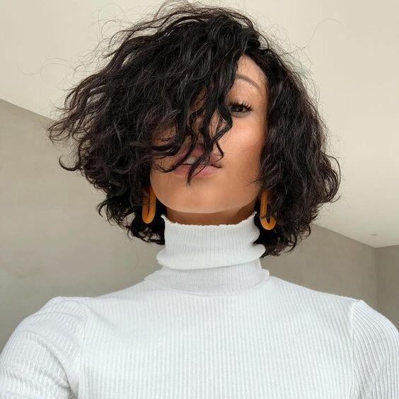 Вечная мода: Стильные стрижки, которые не теряют актуальности