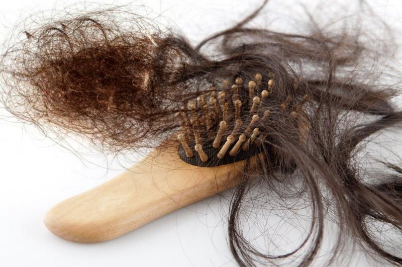 6 распространённых мифов о выпадении волос, а где истина