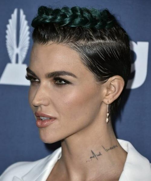 Эффектные идеи укладок коротких волос от знаменитостей