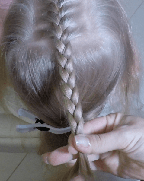 Как заплести хвост с косами
