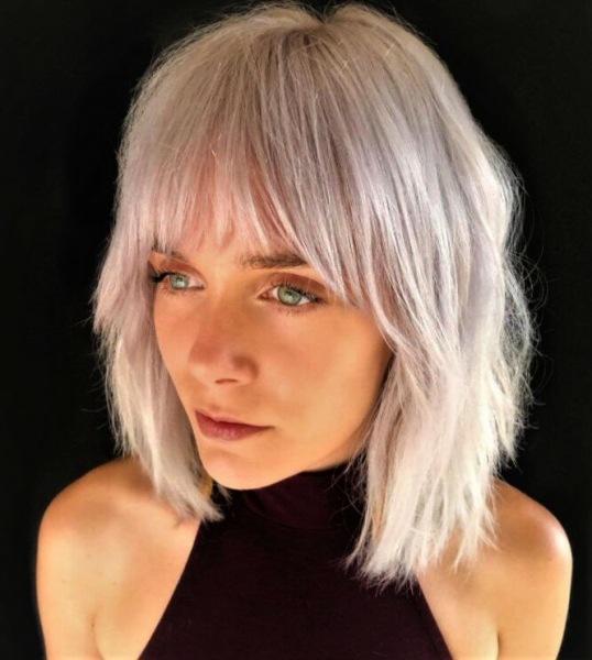 Стильные и привлекательные стрижки 2021 на редкие волосы