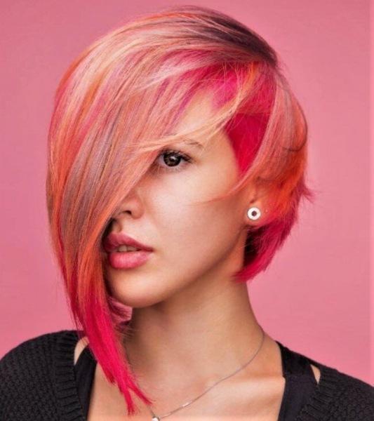 Стильные вариации весенних стрижек 2021 на короткие волосы