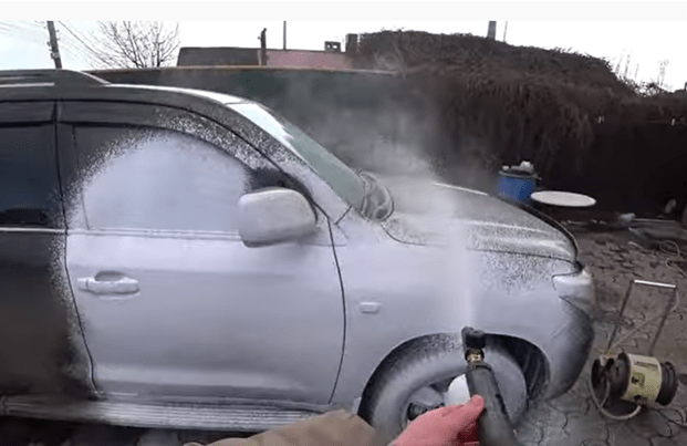 Покажу, чем лучше мыть машину - бесконтактным шампунем или Фейри