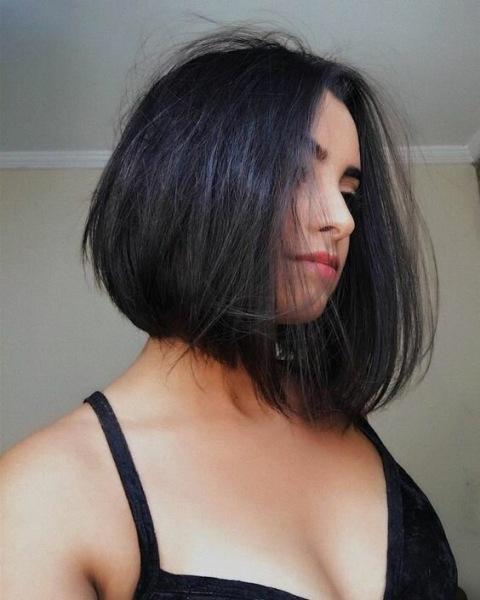 14 милых и простых стрижек для волос средней длины