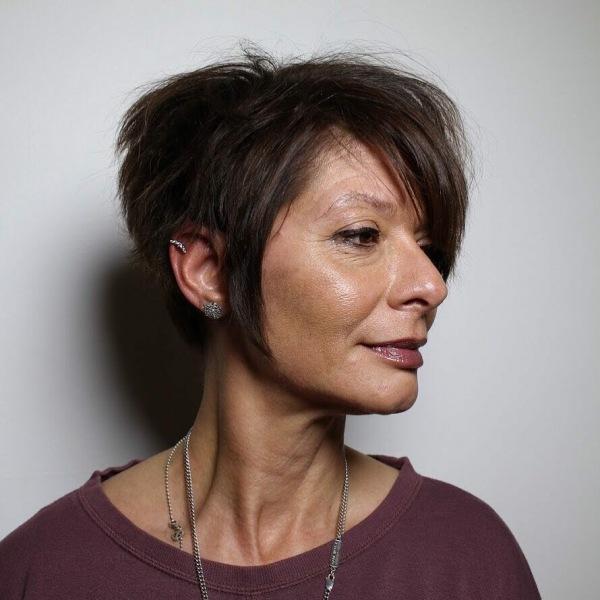 Стрижки после 60 лет на редкие волосы: 30 привлекательных идей