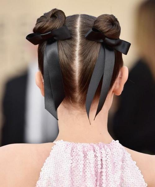 Лента в волосах: самый милый тренд лета 2021
