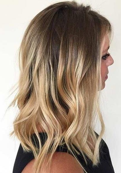 Балаяж для блондинок: 30 эффектных идей модных цветов