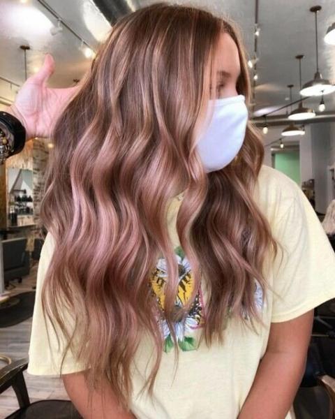 Лето еще впереди: свежие тенденции в окрашивании волос