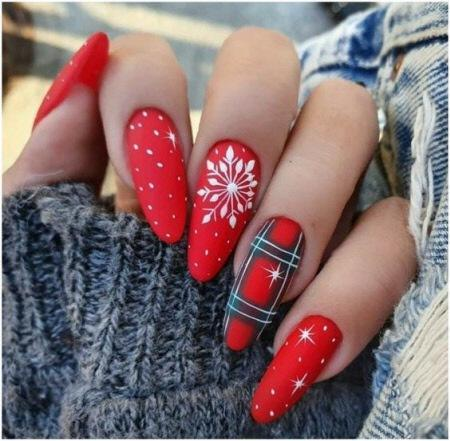Модный зимний маникюр 2021-2022 на длинные миндальные и овальные ногти