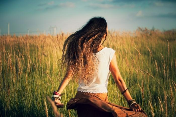 Почему мы часто моем волосы и как мыть их реже