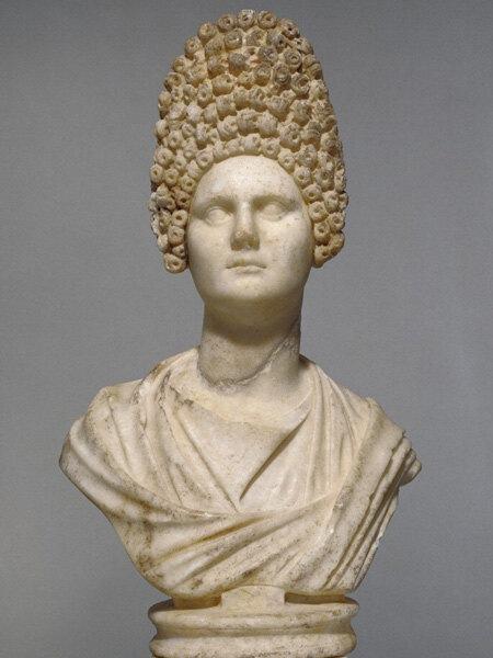 Волосы на кончике! История причесок с древнейших времен до наших дней