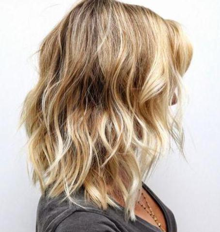 Несколько способов того, как выполнить мелирование волос на седые волосы