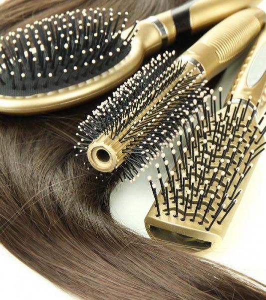 Расческа для волос: какая лучше? Нюансы выбора
