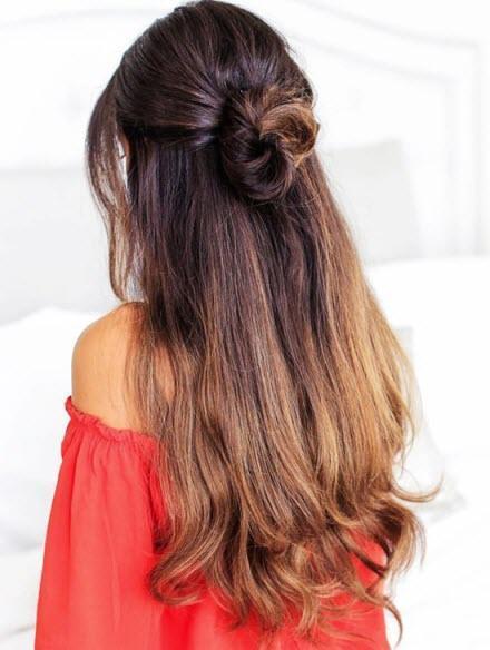 Самая популярная повседневная прическа на длинные и средние волосы